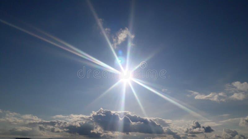 Sun brilha para nós! fotos de stock