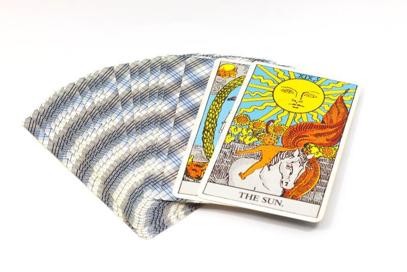 The Sun, cartes de tarot sur le fond blanc image libre de droits