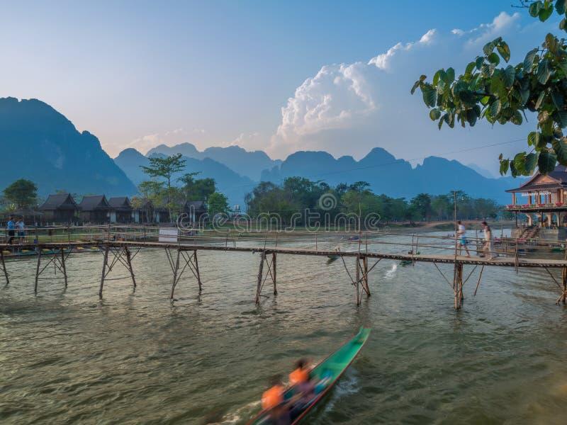 Sun che mette su Nam Song River, Laos immagini stock libere da diritti