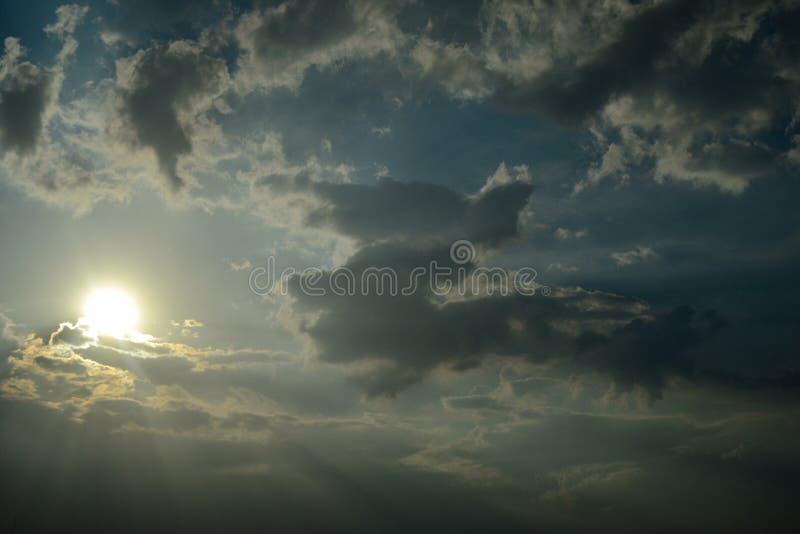 Sun de ciel images stock