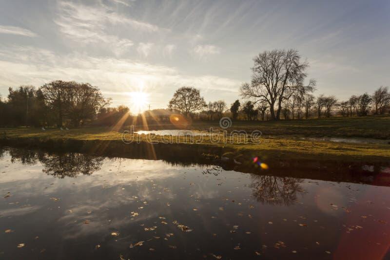 Sun del canale di Llaqngollen messo fotografia stock