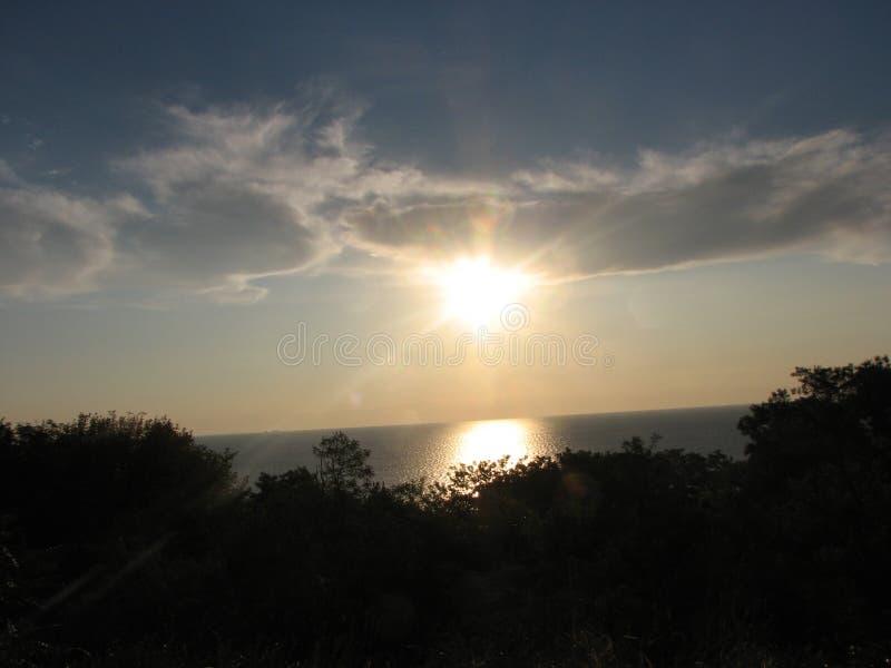 Sun in den Wolken lizenzfreie stockfotos