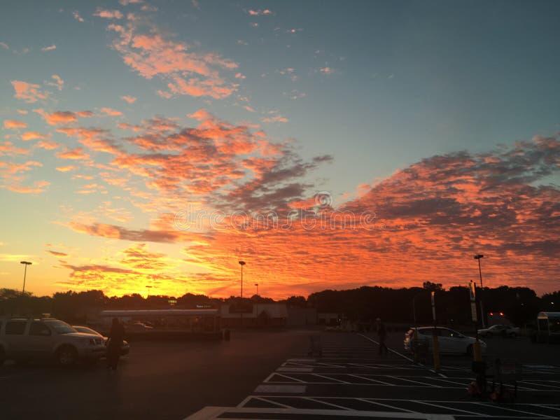 Sun, der den Himmel küsst stockfotos