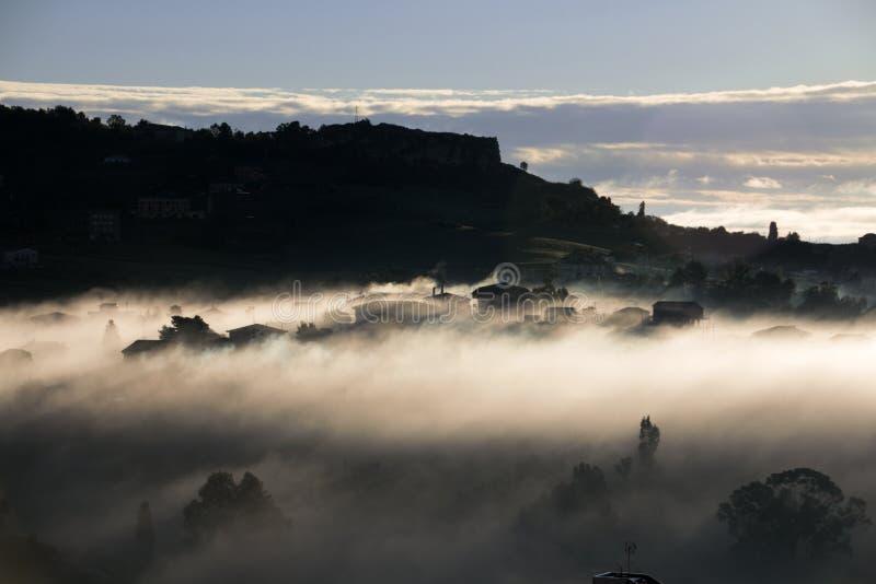 Sun despierta el hogar foto de archivo libre de regalías