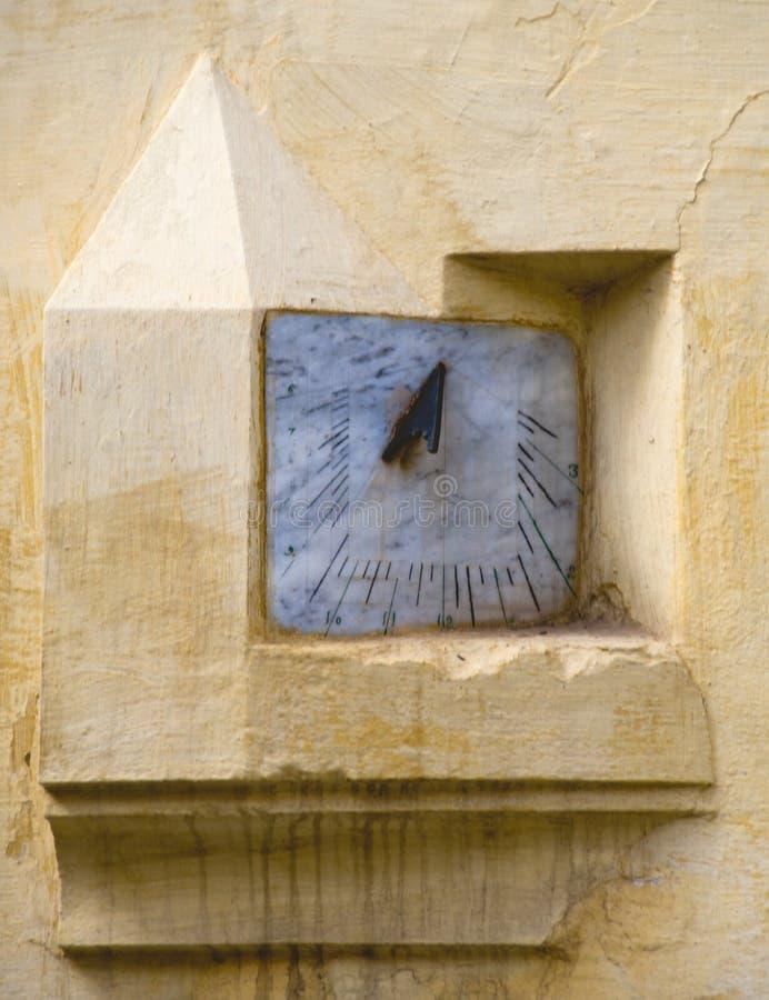 Sun-dial in der Moschee lizenzfreie stockfotografie