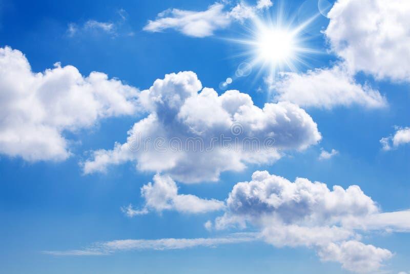 Sun e cielo blu
