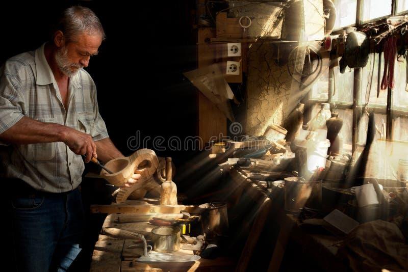 Sun emite el brillo en la carpintería foto de archivo libre de regalías