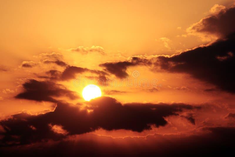 Sun en el cielo fotos de archivo libres de regalías