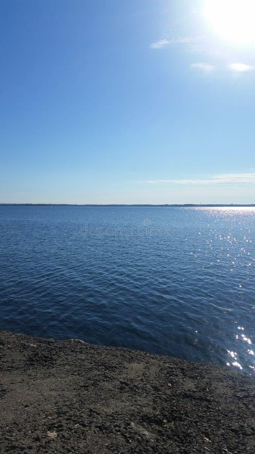 Sun et eau image stock