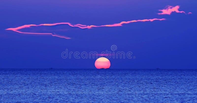 Sun et nuage photo stock
