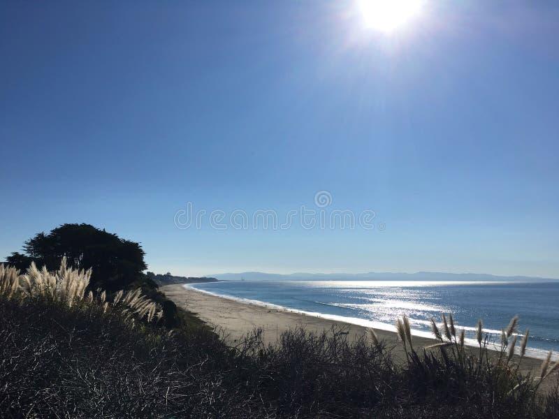Sun et plage image stock