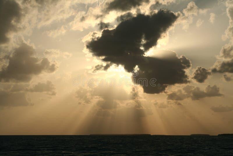 Sun excessif et nuages photo stock