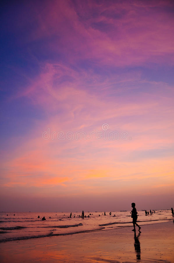 Sunset clouds. When the sun goes down, the beautiful sunset glow royalty free stock photos