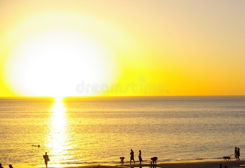Sun grande, praia de Henley imagens de stock