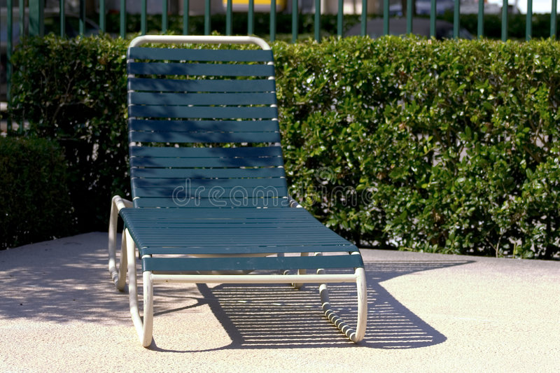 Download Sun Lounger Royalty Free Stock Images - Image: 995729