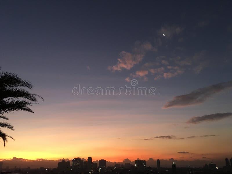 Sun, luna e cielo fotografia stock libera da diritti