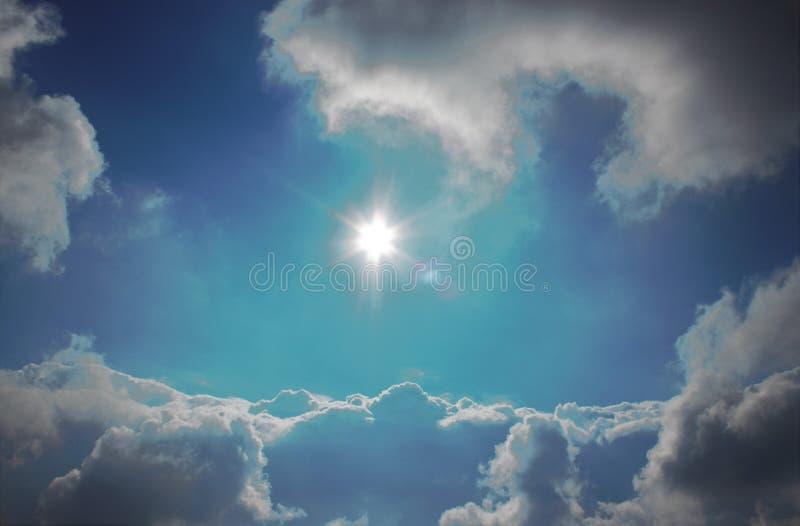 Sun nel cielo immagini stock libere da diritti