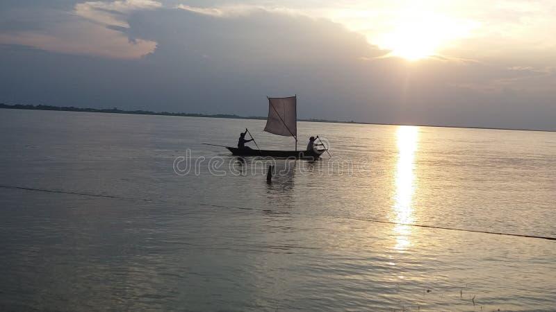 Sun no rio imagem de stock royalty free
