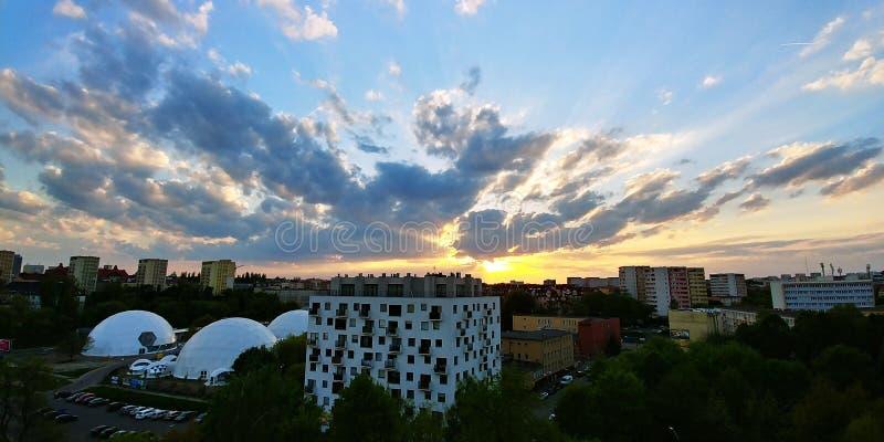 Sun och sky royaltyfri foto
