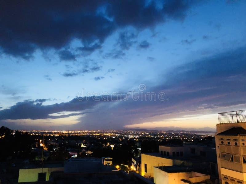 Sun a placé avec la belle vue en Tunisie photographie stock