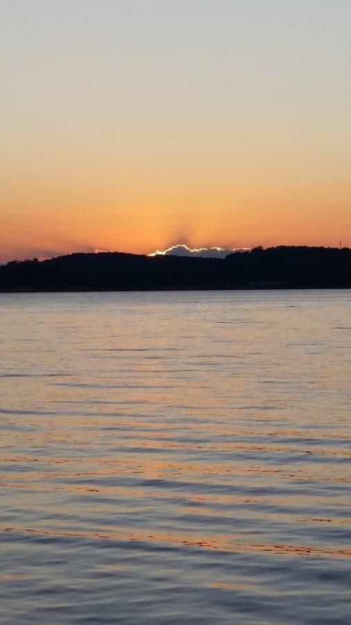 Sun presque allé pour le jour images libres de droits