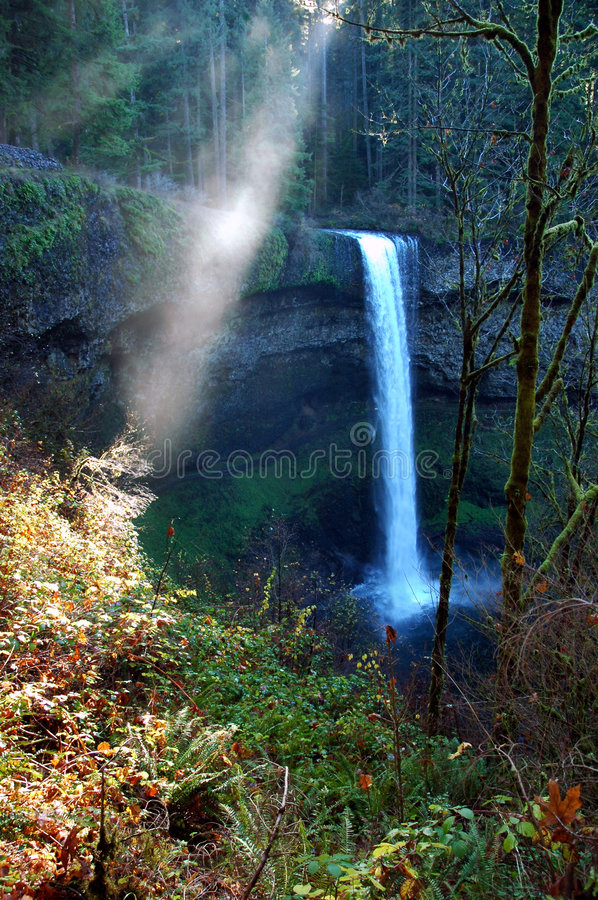 Download Sun Ray at Silver Falls stock photo. Image of blue, travel - 2324072