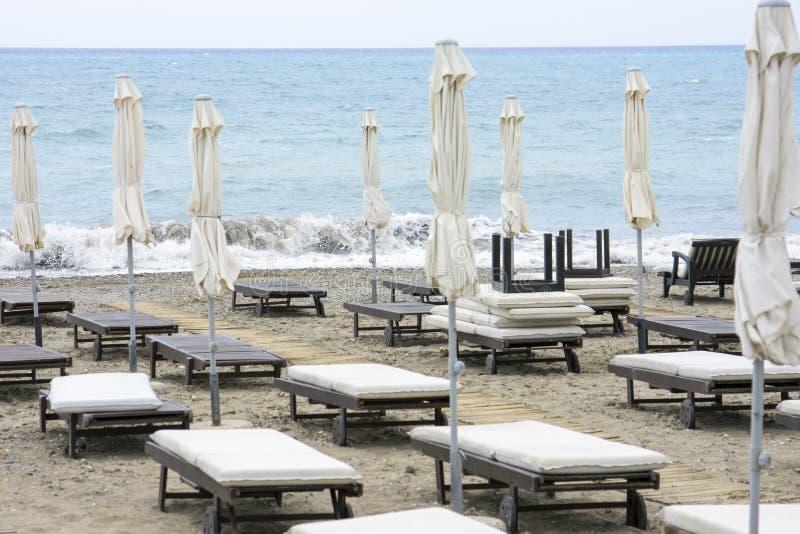 Sun-Ruhesessel aus Jahreszeit heraus lizenzfreies stockfoto