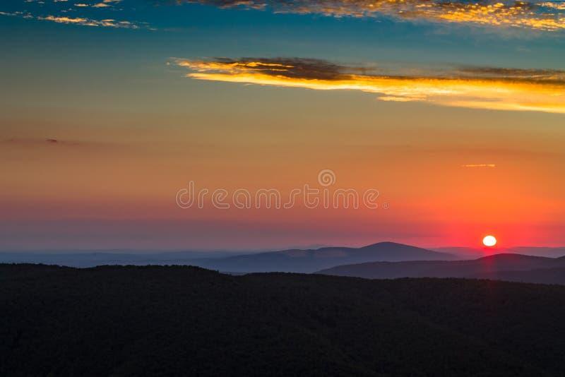 Sun se lève photo libre de droits