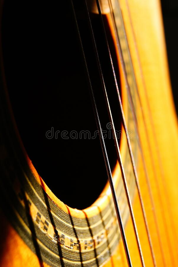Free Sun Shining On A Beautiful Acoustic Body Stock Photos - 182953863