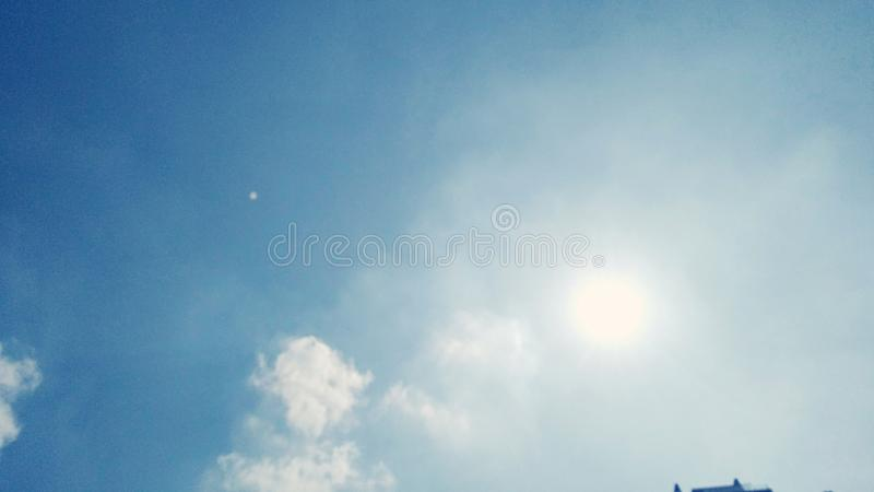 Sun/sky arkivfoton