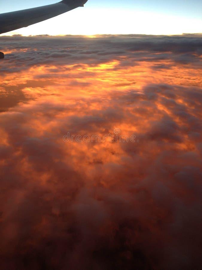 Sun sous les nuages photos stock