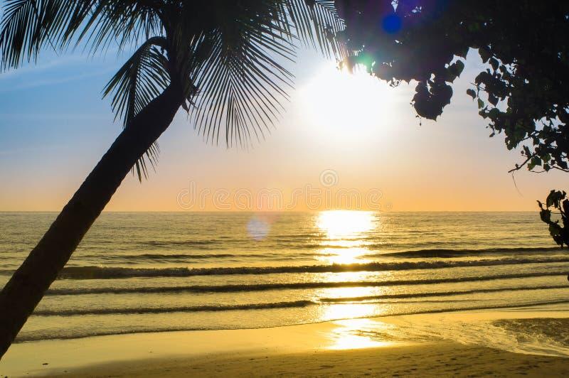 Sun-Strand lizenzfreies stockbild