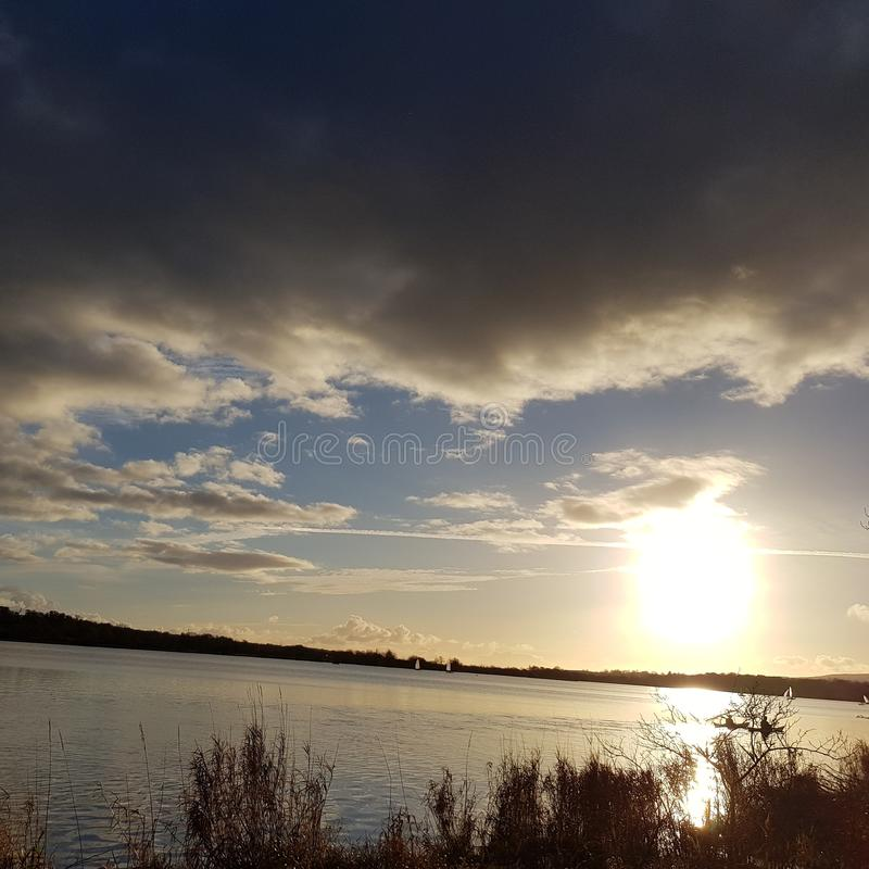 Sun y agua imágenes de archivo libres de regalías