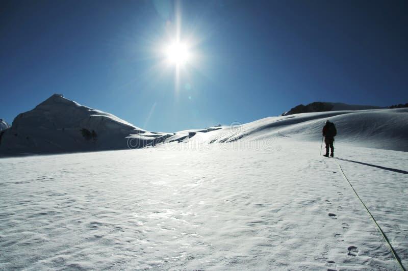 Sun y montaña fotografía de archivo