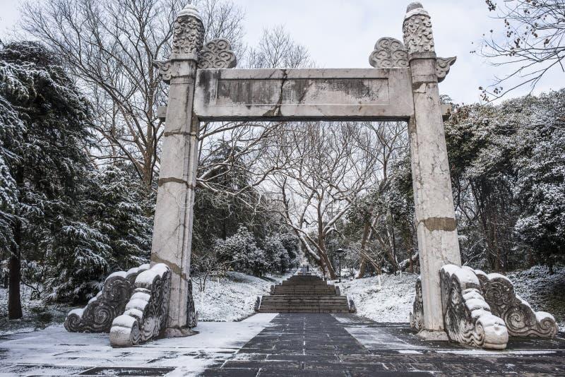 Sun Yat-sen-Mausoleum na de sneeuwval in Mafang royalty-vrije stock foto