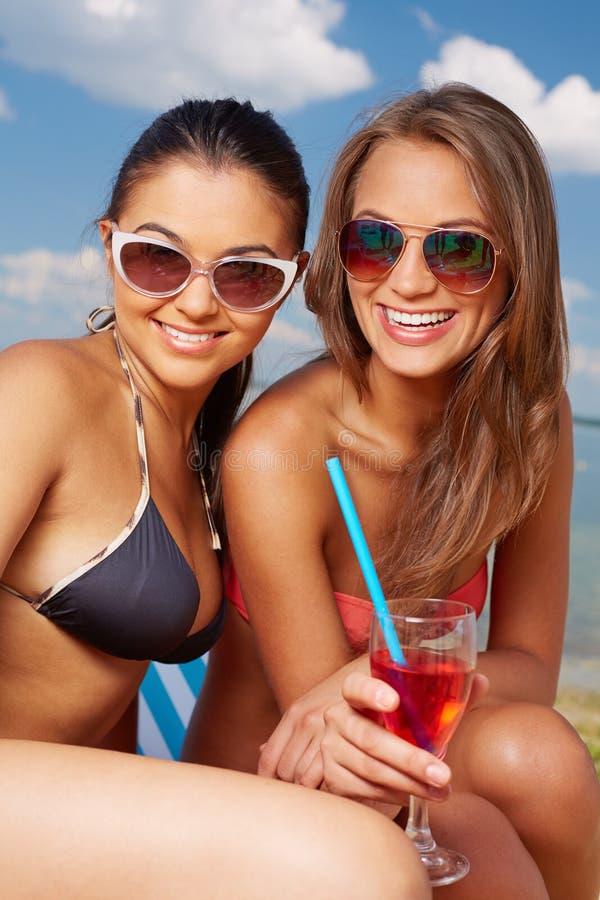 Sunbathers svegli fotografie stock libere da diritti