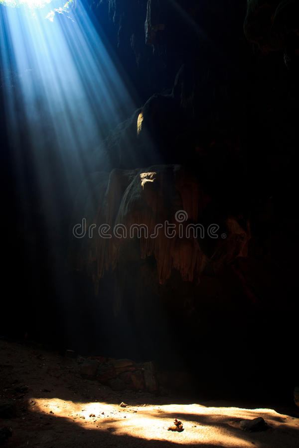 Download Sunbeam Into The Cave Royalty Free Stock Photography - Image: 33650247