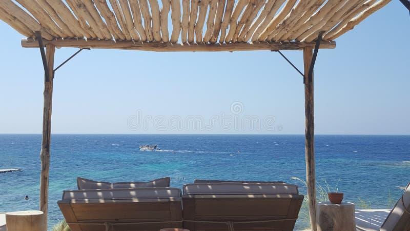 Sunbed com uma vista foto de stock royalty free