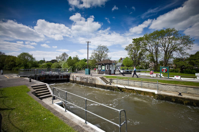 Download Sunbury Lock, Surrey, England Editorial Stock Image - Image: 25844979