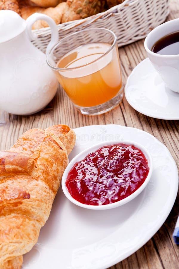 Sund fransk frukostkaffegiffel arkivfoton
