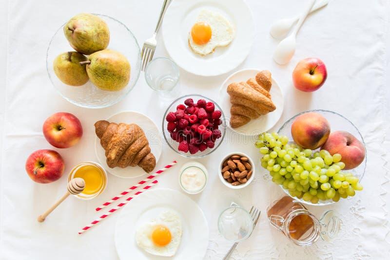 Sund frukost för sommar royaltyfri foto