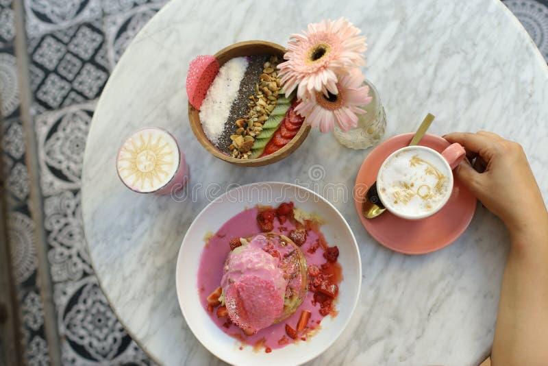 Sund frukost i hotellet, Bali arkivbilder