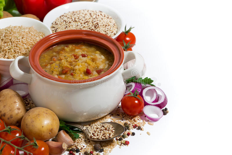 sund lunch, soppa med bönor och grönsaker royaltyfri bild
