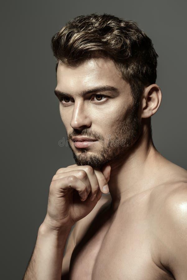 Sund manlig kropp fotografering för bildbyråer