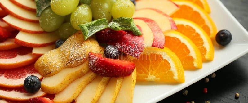 sund mat Slut upp matbild av blandade frukter stort vatten för fotografi för makro för droppgreenleaf 16 i skörd 9 för design av  arkivbilder
