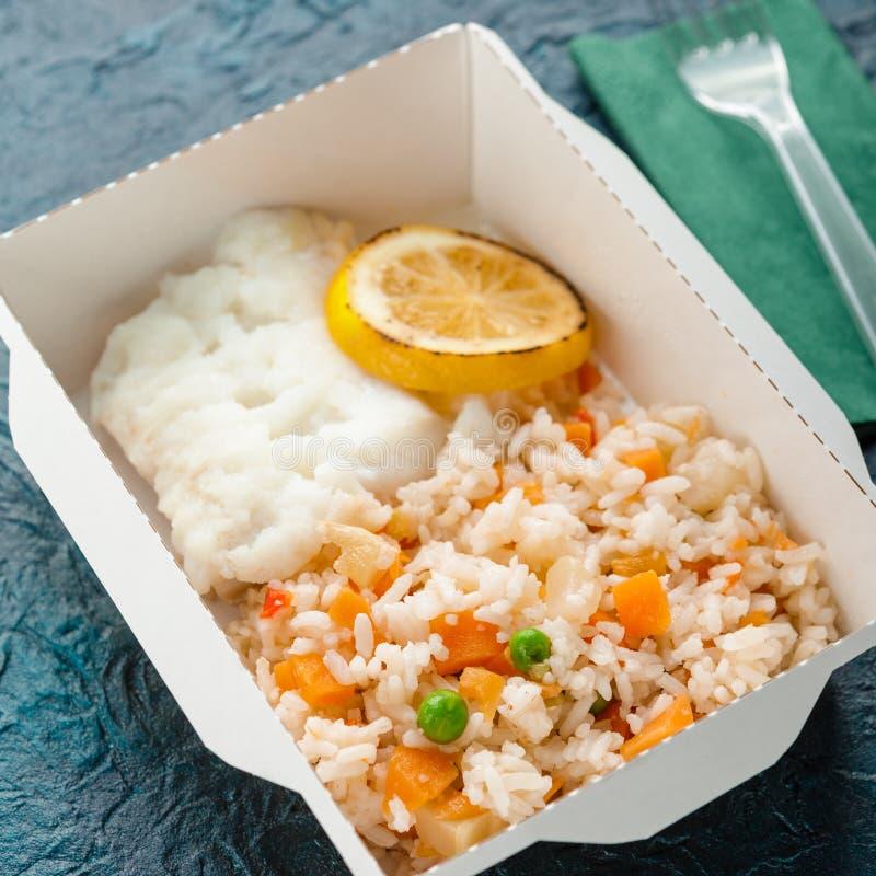 Sund matleverans fotografering för bildbyråer