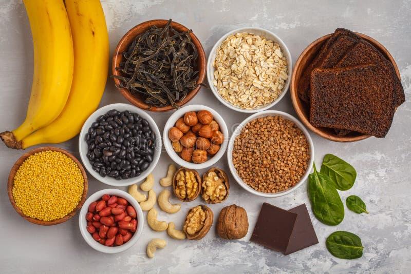 Sund matnäring som bantar begrepp E arkivbilder