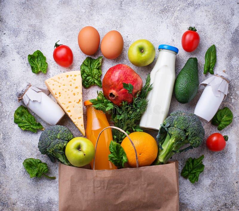 Sunda organiska produkter med den pappers- påsen arkivfoton