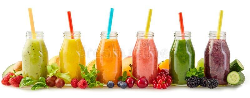 Sunda smoothies för ny frukt med ingredienser royaltyfria bilder