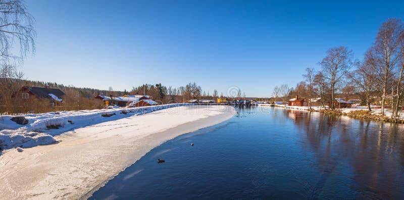 Sundborn - 30 mars 2018 : Panorama de la ville pittoresque de Sundborn dans Dalarna, Suède images stock